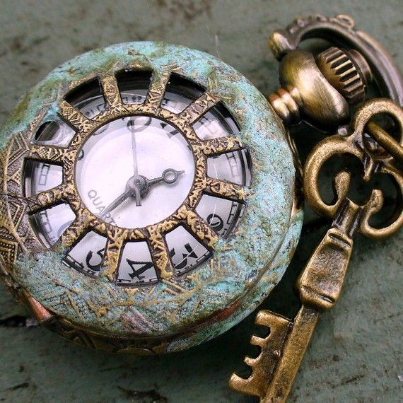 81323ed48122b9a7327af2ff3d189053--pocket-watch-antique-vintage-keys